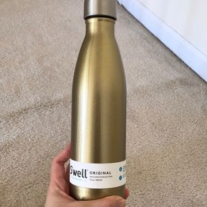 NWT Swell Water Bottle